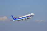 jjieさんが、羽田空港で撮影した全日空 767-381の航空フォト(写真)