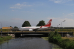 ケンジウムさんが、アムステルダム・スキポール国際空港で撮影したグルジアン・エアウェイズ 737-7BKの航空フォト(写真)