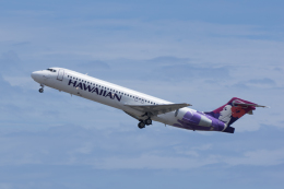 かずまっくすさんが、ダニエル・K・イノウエ国際空港で撮影したハワイアン航空 717-2BLの航空フォト(飛行機 写真・画像)