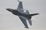 おぺちゃんさんが、新田原基地で撮影したアメリカ空軍 F-16CM-50-CF Fighting Falconの航空フォト(写真)