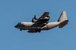 ファントム無礼さんが、横田基地で撮影したアメリカ海兵隊 KC-130J Herculesの航空フォト(写真)
