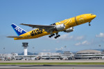 turenoアカクロさんが、高松空港で撮影した全日空 777-281/ERの航空フォト(写真)
