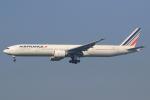 気分屋さんが、成田国際空港で撮影したエールフランス航空 777-328/ERの航空フォト(飛行機 写真・画像)