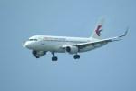kumagorouさんが、那覇空港で撮影した中国東方航空 A320-214の航空フォト(写真)