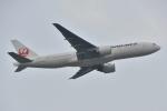 よしポンさんが、成田国際空港で撮影した日本航空 777-246/ERの航空フォト(写真)
