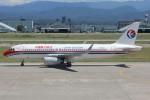 コギモニさんが、小松空港で撮影した中国東方航空 A320-232の航空フォト(写真)