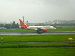 まいけるさんが、チャトラパティー・シヴァージー国際空港で撮影したエア・インディア A319-112の航空フォト(飛行機 写真・画像)