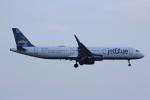 いっとくさんが、ジョン・F・ケネディ国際空港で撮影したジェットブルー A321-231の航空フォト(写真)