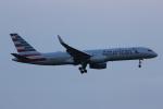いっとくさんが、ジョン・F・ケネディ国際空港で撮影したアメリカン航空 757-223の航空フォト(写真)