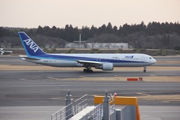 mitsuさんが、成田国際空港で撮影した全日空 767-381/ERの航空フォト(飛行機 写真・画像)