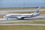 @たかひろさんが、関西国際空港で撮影した日本航空 737-846の航空フォト(写真)