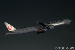 遠森一郎さんが、福岡空港で撮影した日本航空 777-346/ERの航空フォト(写真)