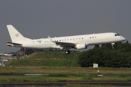 Bulu minさんが、成田国際空港で撮影したアメリカ個人所有 ERJ-190-100 ECJ (Lineage 1000)の航空フォト(飛行機 写真・画像)