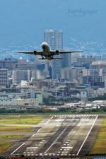 EarthScapeさんが、伊丹空港で撮影した全日空 777-281の航空フォト(写真)