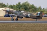 チャッピー・シミズさんが、フェアフォード空軍基地で撮影したBattle of Britain Memorial Flight Hurricane Mk2Cの航空フォト(写真)