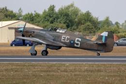 チャッピー・シミズさんが、フェアフォード空軍基地で撮影したBattle of Britain Memorial Flight Hurricane Mk2Cの航空フォト(飛行機 写真・画像)