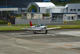 tsubasa0624さんが、南紀白浜空港で撮影した日本個人所有 A36 Bonanza 36の航空フォト(飛行機 写真・画像)