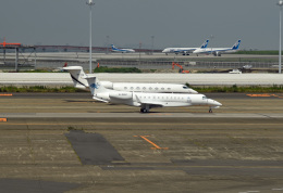tsubasa0624さんが、羽田空港で撮影した東方公務航空 EMB-135BJ Legacyの航空フォト(写真)