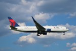 らむえあたーびんさんが、成田国際空港で撮影したデルタ航空 767-332/ERの航空フォト(写真)