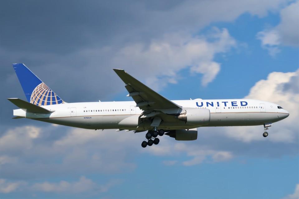 らむえあたーびんさんのユナイテッド航空 Boeing 777-200 (N786UA) 航空フォト