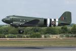 Tomo-Papaさんが、フェアフォード空軍基地で撮影したイギリス空軍 C-47A Skytrainの航空フォト(写真)