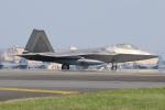 マリオ先輩さんが、横田基地で撮影したアメリカ空軍 F-22A-30-LM Raptorの航空フォト(写真)