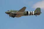 チャッピー・シミズさんが、フェアフォード空軍基地で撮影したBattle of Britain Memorial Flight C-47A Skytrainの航空フォト(写真)