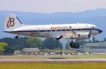 Tomo_mcz_lgmさんが、熊本空港で撮影したスーパーコンステレーション飛行協会 DC-3Aの航空フォト(写真)