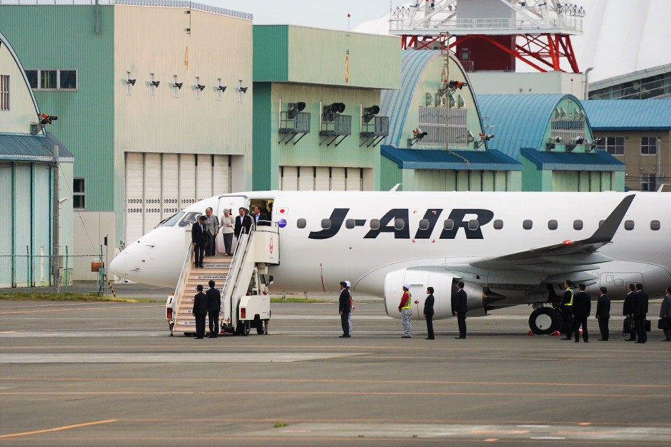 hidetsuguさんのジェイエア Embraer 170 (JA228J) 航空フォト