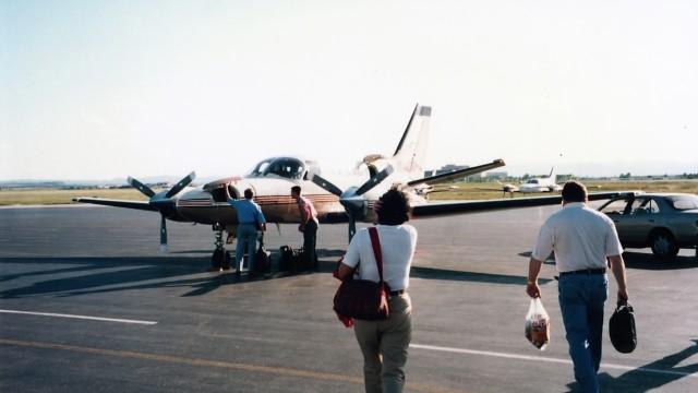 センテニアル空港 - Denver Centennial Airport [APA/KAPA]で撮影されたセンテニアル空港 - Denver Centennial Airport [APA/KAPA]の航空機写真(フォト・画像)