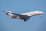 Y-Kenzoさんが、羽田空港で撮影したネットジェット・インターナショナル BD-700-1A10 Global 6000の航空フォト(写真)