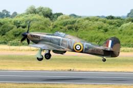 nobu2000さんが、フェアフォード空軍基地で撮影したBattle Of Britain Memorial Flight Hurricane Mk2Cの航空フォト(飛行機 写真・画像)