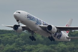Take51さんが、新千歳空港で撮影した日本航空 777-289の航空フォト(飛行機 写真・画像)