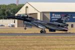 チャッピー・シミズさんが、フェアフォード空軍基地で撮影したベルギー空軍 F-16 Fighting Falconの航空フォト(写真)