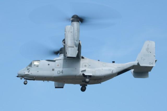 ゆずポン酢さんが、キャンプ富士で撮影したアメリカ海兵隊 MV-22Bの航空フォト(飛行機 写真・画像)