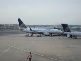 show0303さんが、ロナルド・レーガン・ワシントン・ナショナル空港で撮影したユナイテッド航空 737-724の航空フォト(飛行機 写真・画像)