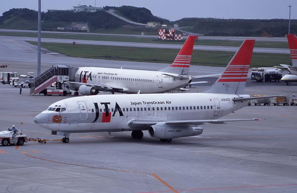 kumagorouさんの日本トランスオーシャン航空 Boeing 737-200 (JA8492) 航空フォト