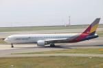 水月さんが、関西国際空港で撮影したアシアナ航空 767-38Eの航空フォト(写真)