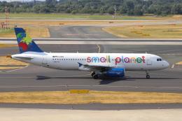 sumihan_2010さんが、デュッセルドルフ国際空港で撮影したスモール・プラネット・エアラインズ・ジャーマニー A320-232の航空フォト(飛行機 写真・画像)