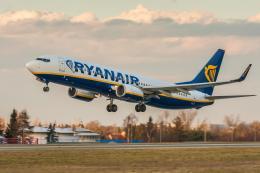 X-Airlinesさんが、ボーンマス空港で撮影したライアンエア 737-800の航空フォト(飛行機 写真・画像)
