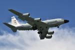 kon chanさんが、嘉手納飛行場で撮影したアメリカ空軍 RC-135W (717-158)の航空フォト(写真)