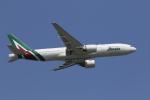 ムッシュさんが、成田国際空港で撮影したアリタリア航空 777-2Q8/ERの航空フォト(写真)