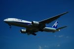 FRTさんが、松山空港で撮影した全日空 777-281/ERの航空フォト(飛行機 写真・画像)