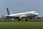 nobu2000さんが、アムステルダム・スキポール国際空港で撮影したブエリング航空 A320-214の航空フォト(写真)