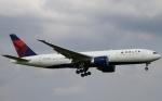 ちゅういちさんが、成田国際空港で撮影したデルタ航空 777-232/LRの航空フォト(写真)