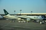 Blue Dreamさんが、成田国際空港で撮影したパキスタン国際航空 777-240/ERの航空フォト(写真)