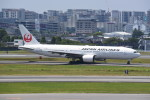 kumagorouさんが、伊丹空港で撮影した日本航空 777-289の航空フォト(飛行機 写真・画像)