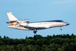 コージーさんが、成田国際空港で撮影したマン島企業所有 Falcon 7Xの航空フォト(写真)