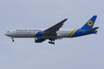 PASSENGERさんが、スワンナプーム国際空港で撮影したウクライナ国際航空 777-28E/ERの航空フォト(写真)