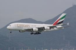 HEATHROWさんが、香港国際空港で撮影したエミレーツ航空 A380-842の航空フォト(飛行機 写真・画像)